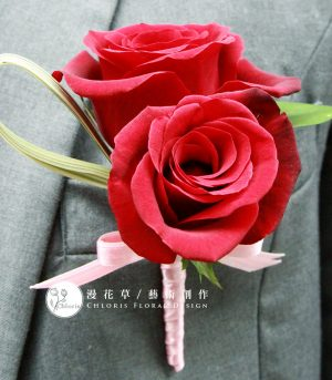 雙朵紅玫瑰胸花